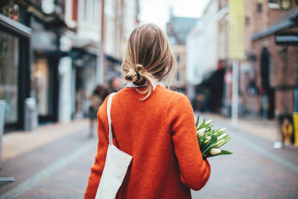 Holländerin mit Tulpen in Utrecht – Foto