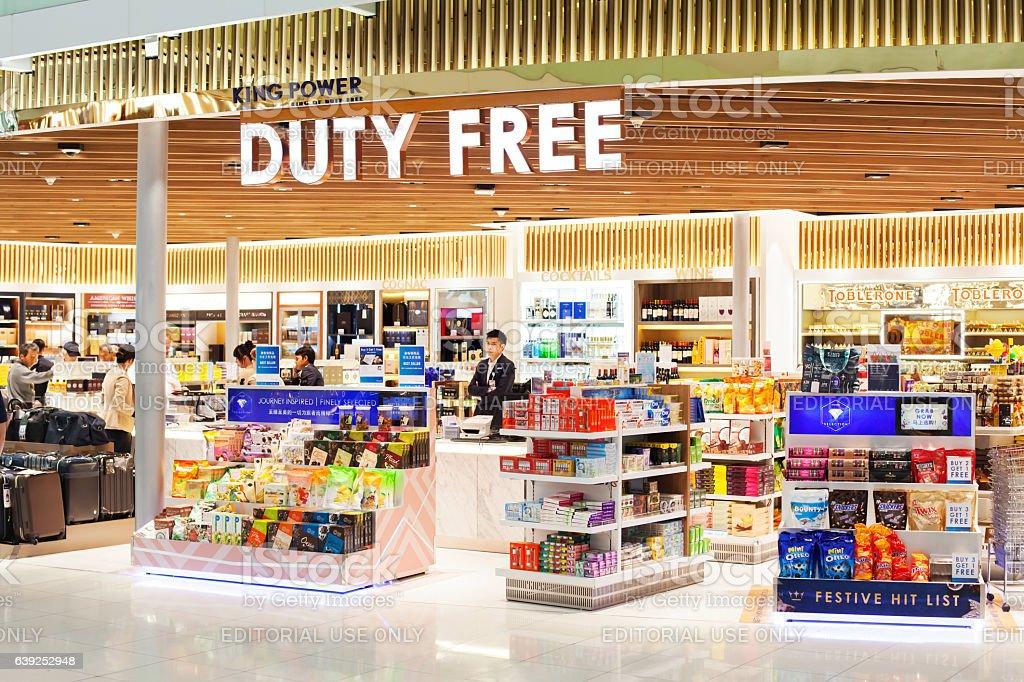 Duty free shop in Suvarnabhumi airport in Bangkok - foto de stock