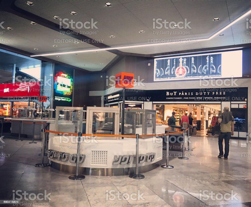 boutiques duty free la roport roissy charles de gaulle airport paris france photos et plus d. Black Bedroom Furniture Sets. Home Design Ideas