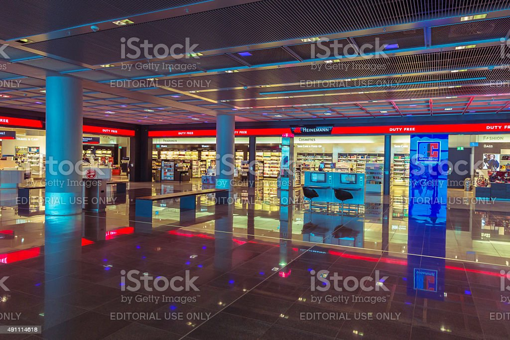 74322e3bb Duty Free Stores At Frankfurt Airport Stock Photo - Download Image ...