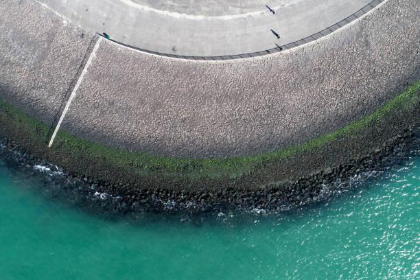 deich und küste - luftbild - boundary waters stock-fotos und bilder