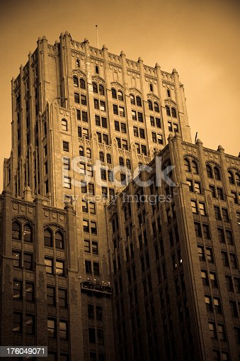 istock Early 20th Century-Era Office Building in San Francisco 176049071