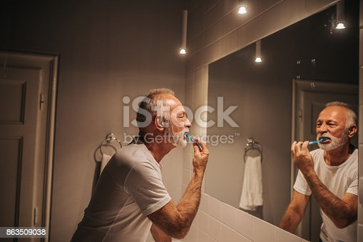 istock Early birds get to take their time in the bathroom 863509038