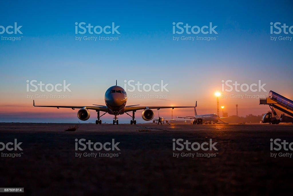 Рано утром аэропорта и элементом в виде передника стоковое фото