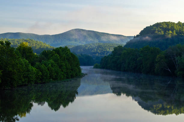 Early Morning Along the James River Early morning along the James River from the footbridge of the James River Visitors Center on the Blue Ridge Parkway in Big Island, VA. appalachia stock pictures, royalty-free photos & images