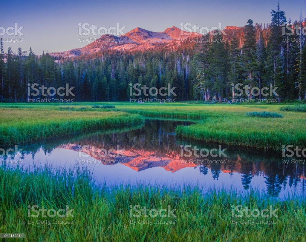 Frühmorgens am Wrights See, in der Nähe von Lake Tahoe, Kalifornien – Foto