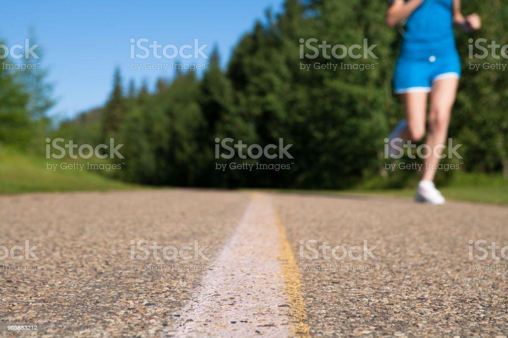 Early morning summer jog - Стоковые фото 16-17 лет роялти-фри