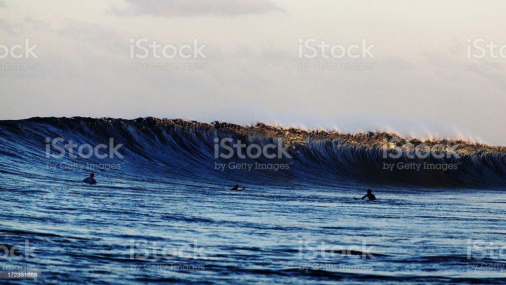 Por la mañana temprano, surf foto de stock libre de derechos
