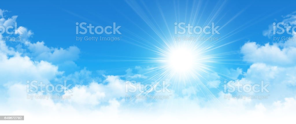 Frühe Sonne an einem bewölkten blauen Himmel – Foto