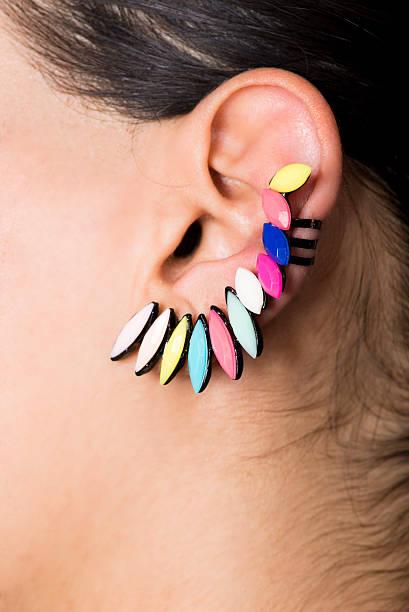 - ohrring - ohrringe piercing stock-fotos und bilder