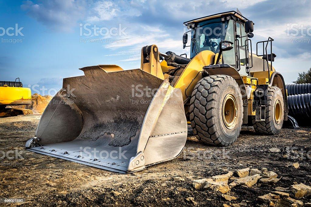 Earth mover in a new highway construction S3, Poland - Royaltyfri Anläggningsmaskin Bildbanksbilder