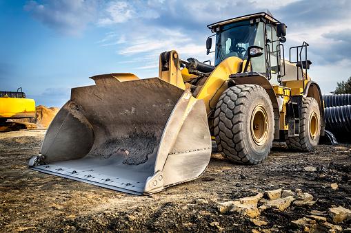 Earth Mover In A New Highway Construction S3 Poland-foton och fler bilder på Anläggningsmaskin