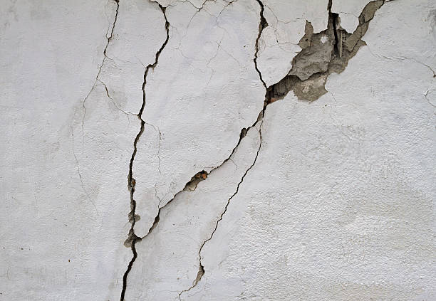 earthquake Crack in wall after earthquake. collapsing stock pictures, royalty-free photos & images