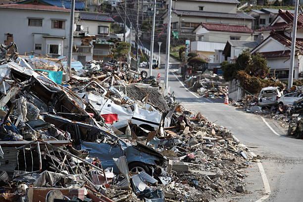 earthquake,tsunami,japan,311 - 危機 ストックフォトと画像