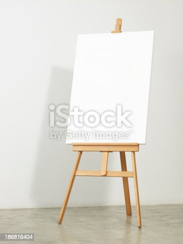 Easel with vertical canvas -clipping path-