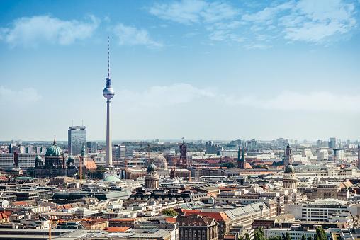 East Berlin Cityscape With Television Tower And Cathedral Stockfoto und mehr Bilder von Alexanderplatz