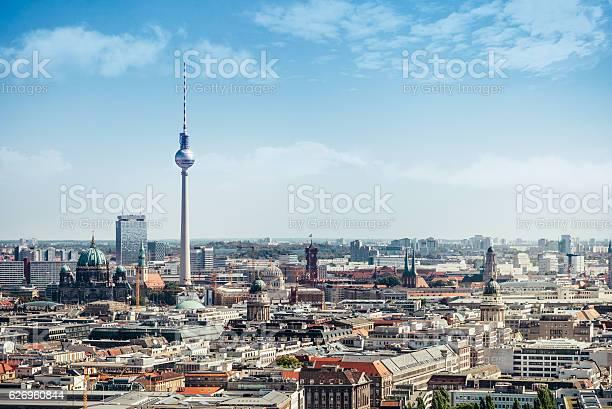 Ostberlin Stadtbild Mit Fernsehturm Und Kathedrale Stockfoto und mehr Bilder von Alexanderplatz