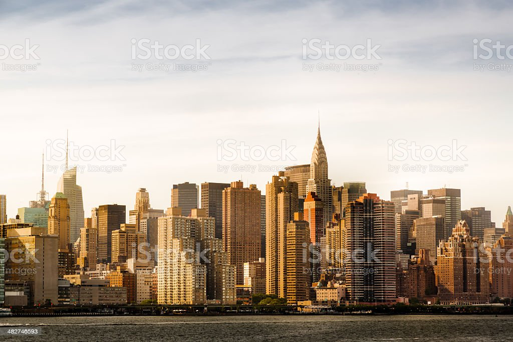 East River And Manhattan Midtown During Sunset stock photo