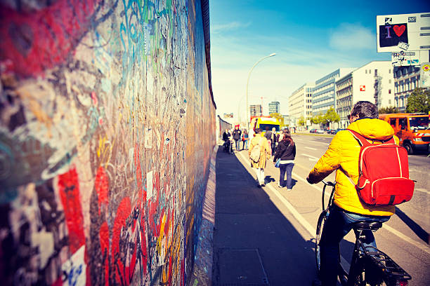 east side gallery - est foto e immagini stock