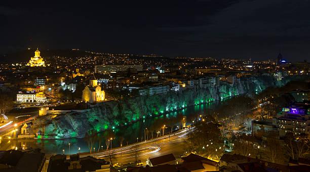 East Tiflis – Skyline bei Nacht – Foto