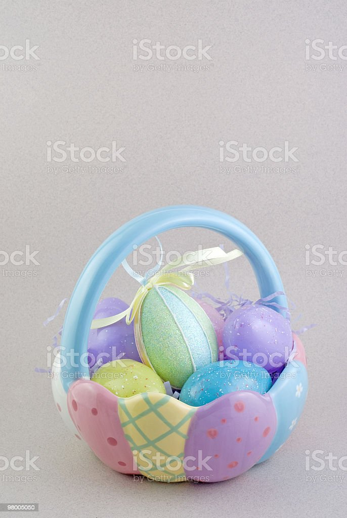Easter Basket with Eggs royalty free stockfoto