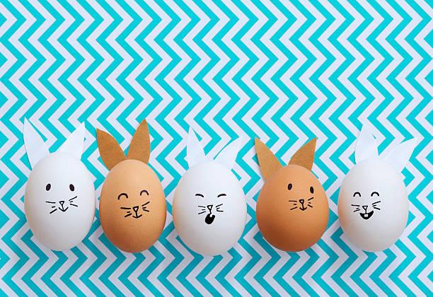 osterhase eier - sonntagsbrunch stock-fotos und bilder