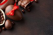 istock Easter composition with chocolate eggs and bunny 1138026470