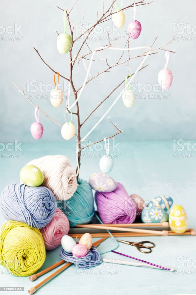 Ostern Basteln Ostereier Stricken Und Häkeln Wolle Und Haken Stock