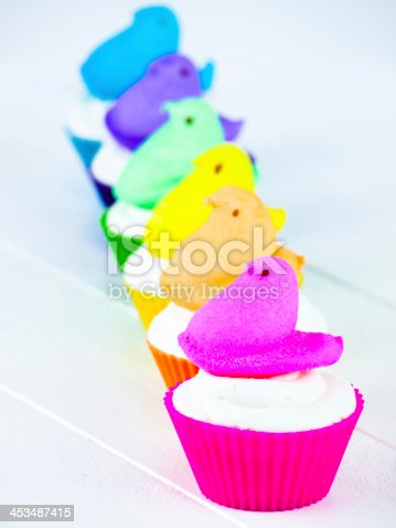 Easter cupcakes with marshmallow chicks.