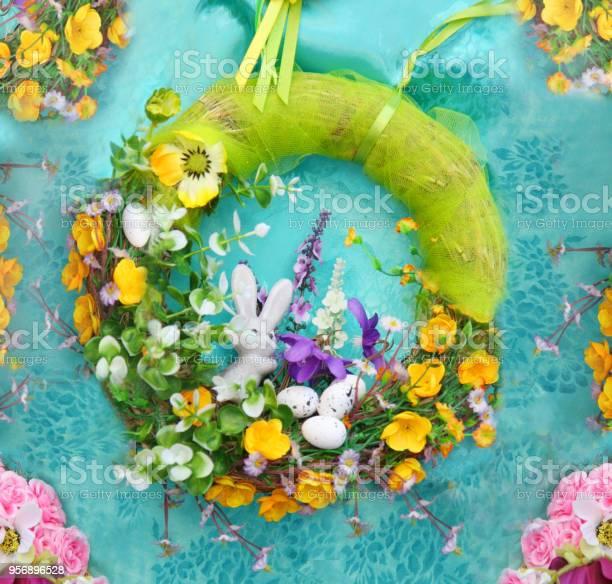 Easter decorations garland picture id956896528?b=1&k=6&m=956896528&s=612x612&h=53tkl0syol3lihl8gw ghzu7 cpz7gqs52pu7tiwukq=