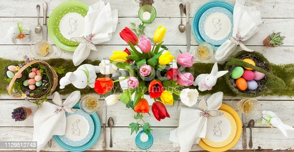 istock Easter Dining Table 1129512743