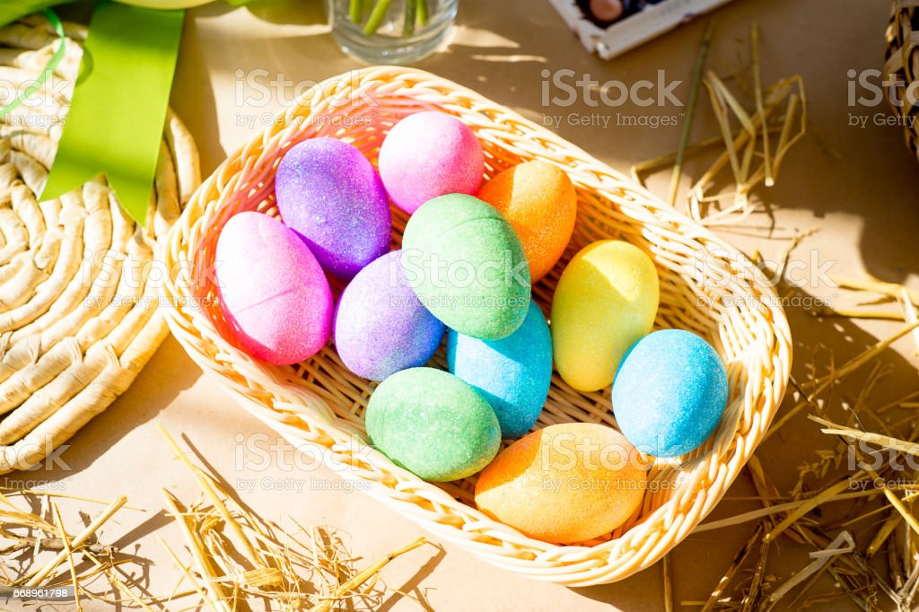 Easter eggs and brushes foto stock royalty-free