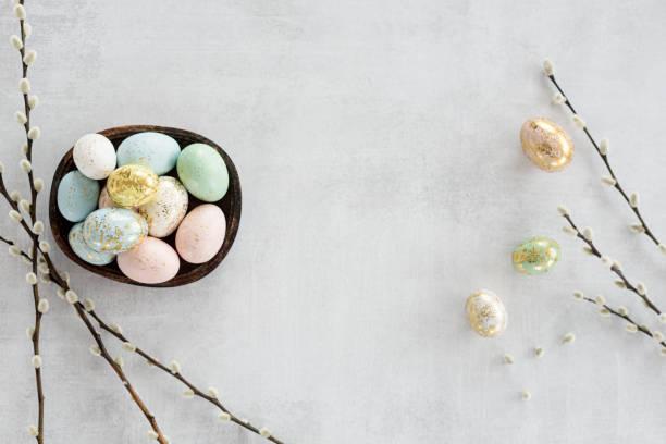 easter eggs flat lay - easter imagens e fotografias de stock