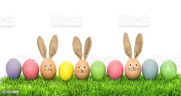 Easter eggs in green grass holidays background picture id517373960?b=1&k=6&m=517373960&s=612x612&h=fa2k1dut2qqd7wtyagecensrmi5vdzbbpipwv8omi q=