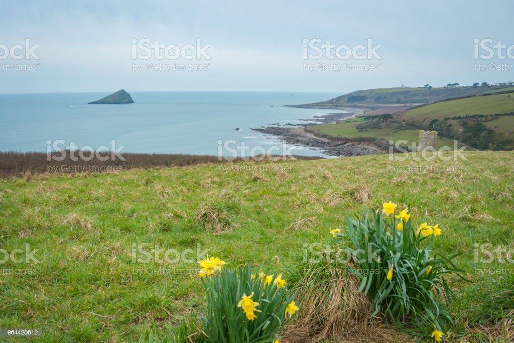 Páscoa domingo acima da praia de Wembury, em Devon, UK. - Foto de stock de Azul royalty-free