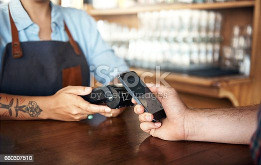 istock Easy to connect, easy to pay 660307510