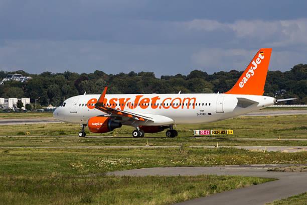 EasyJet sur l'usine Airbus A320 Rouler au sol - Photo