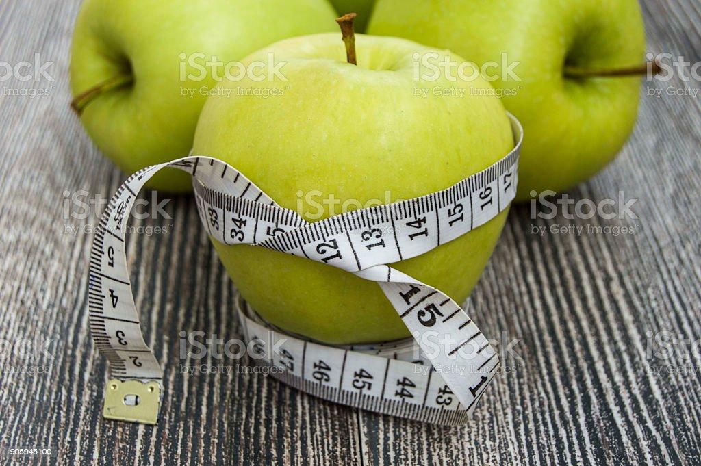 la manzana verde ayuda a bajar de peso