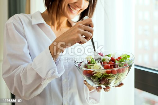 istock Eating healthy 1176386162