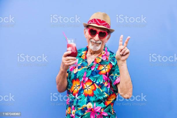 Eccentric senior man portrait picture id1167048362?b=1&k=6&m=1167048362&s=612x612&h=sauu3dcywl0cpwyhw5  75fovsc 1yshj0ke3buetjq=