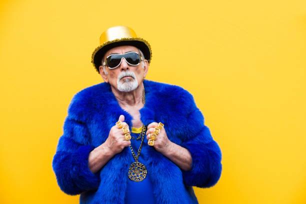 excentriska senior man porträtt - celebrities of age bildbanksfoton och bilder