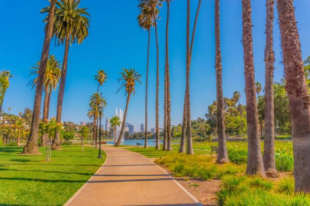 Echo Park-Weg führt in der Innenstadt von Los Angeles (P) – Foto