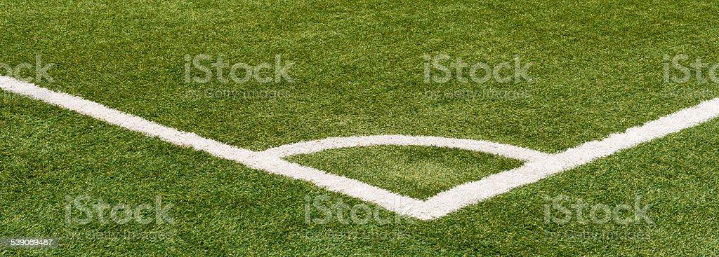 Eckball Markierung auf Fussballfeld stock photo