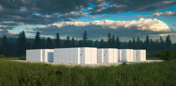 Umweltfreundliches Batterie-Energiespeichersystem in der Natur mit nistigem Wald im Hintergrund und frischem Grünland im Vordergrund. 3D-Rendering. – Foto