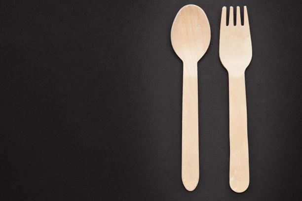 Eco friendly disposable kitchenware utensils on black background view picture id1223957983?b=1&k=6&m=1223957983&s=612x612&w=0&h=swttfcqagmpcfjglvpn980jhfz6i5rictrofv6q8edq=