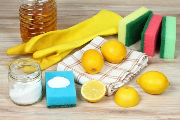 Eco friendly natural cleaners. Home cleaning concept Baking soda (sodium bicarbonate), lemon, vinergar and salt vinegar stock pictures, royalty-free photos & images