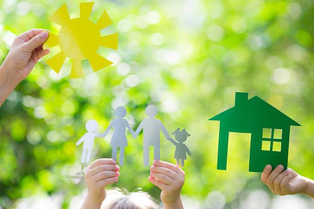 Ecologia casa em mãos - foto de acervo