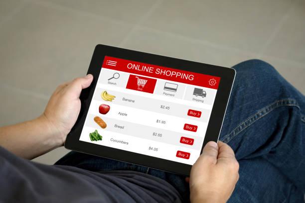 E-Commerce-Internet-Shopping-Tablet-Computer-App online Supermarkt – Foto