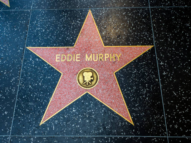 eddie murphy star, hollywood walk of fame - 11. august 2017 - hollywood boulevard, los angeles, kalifornien, ca, usa - eddie murphy filme stock-fotos und bilder
