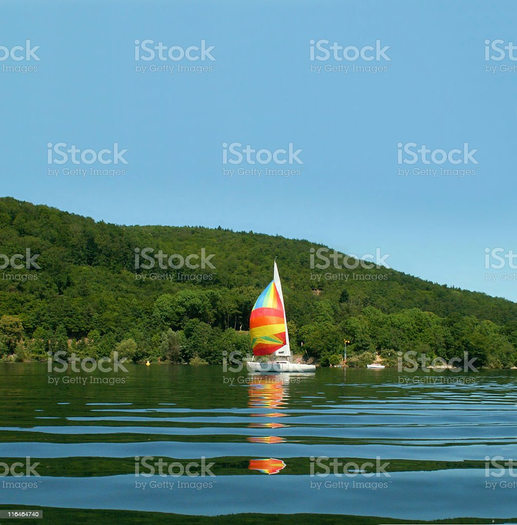 Edersee mit Segelboot royalty-free stock photo